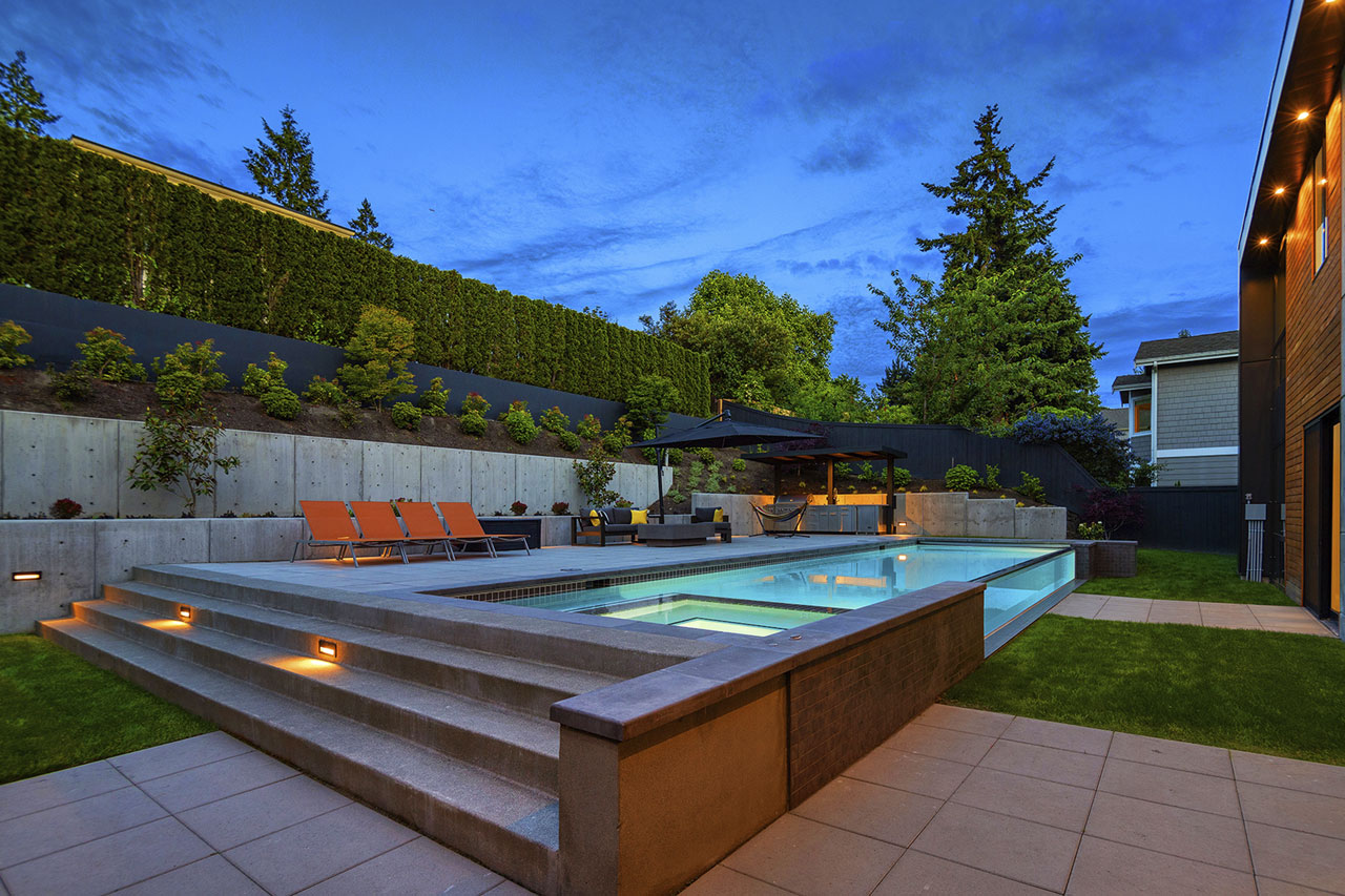outside-custom-pool-Medina-WA-krisco-aquatech-pools